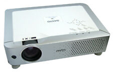 PROIETTORE LCD Sanyo PLC-XU70 Lampada Ore Usato 1645 con telecomando