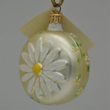 Patricia Breen 1998 Christmas Ornament Daisy Medallion Pearl With Leaves 9899