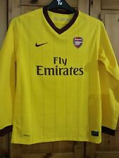 6c089ee3fb1 Arsenal Football Shirt for boys size 13 -15 years