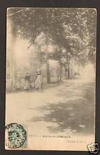 JUMEAUX (63) AVENUE animée en 1907