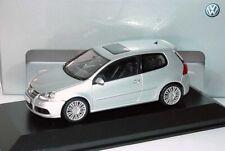 VW GOLF 5 V R32 3.2 V6 4-MOTION REFLEX SILVER 1:43 MINICHAMPS (DEALER MODEL)