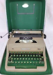 Vintage 1953 Royal Quiet DeLuxe Typewriter