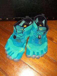 NEW VIBRAM FIVEFINGER Toe Grip Shoe 19W7102 Water Hiking Womens Eur 38 US 7.5
