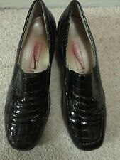 LADIES MEDICUS LEATHER ( CROC STYLE) SIZE 7 COMFORT SHOES