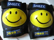 "Smileyâ""¢ Product Have A Nice 2000 Millennium knee pads"