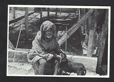 OUEZZANE (MAROC) VIEIL HOMME & son CHIEN en 1971