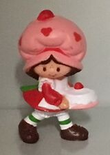 STRAWBERRY SHORTCAKE w/ B-DAY CAKE PVC Mini Figure Vintage 1980s Strawberryland