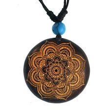 Runde Modeschmuck-Halsketten & -Anhänger aus Holz mit Glücks-Themen