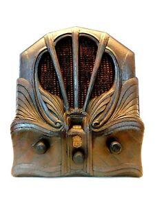 VINTAGE 1930s CROSLEY OLD GOTHIC DEPRESSION ERA SHOWBOY CATHEDRAL TUBE RADIO