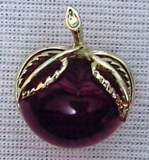 Vintage SARAH COVENTRY Red APPLE lucite BROOCH PIN signed gold tone