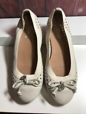 SPERRY TOP SIDER Elsie IVORY LEATHER stretch FLATS shoes size 5.5 excellent