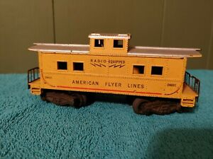 American Flyer #24631 Radio Equipped Caboose with knuckle couplers R02