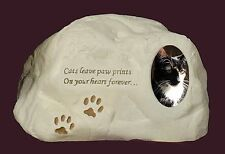 Cat Paw Rock Urn