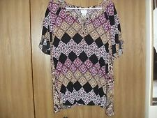ladies jaclyn smith size xxL multi-color pattern short sleeve top