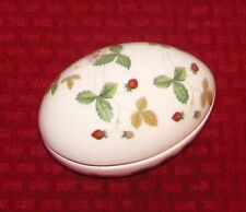 """Wedgwood England Wild Strawberry (Bone China) 4 1/8"""" Egg Box With Lid - EXCELL"""