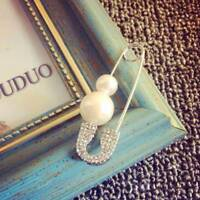 Fashion Simulated Pearl Safety Pin Stud Earrings For Women Punk Jewelry