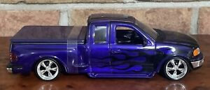 1999 FORD F-150 FLARESIDE SUPERCAB LOW RIDER Pickup Truck 1:24 Die-cast