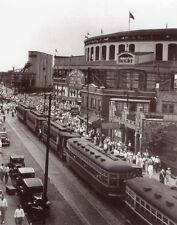 WRIGLEY FIELD CHICAGO CUBS STREET CARS 8X10  PHOTO