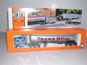 """CON-COR #1009  Freightliner 10 Wheel Cab w/Tank Trlr. """"Texas Oil"""" Built-up 1/87"""