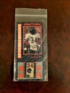 WALTER PAYTON 1993 HALL OF FAME BEARS COMMEMORATIVE PIN New Orig. Packing