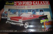 REVELL 1959 FORD RETRACTABLE GALAXIE VINTAGE 1/25 Model Car Mountain KIT FS