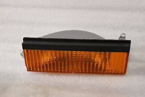 RECENT OEM NOS JEEP CHEROKEE COMMANCHE WAGONEER PARKING LAMP 56000853