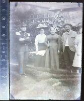 D108 négatif photo plaque verre circa 1900 Soldat en pied uniforme famille