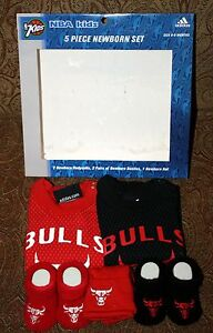 Adidas Kids CHICAGO BULLS NBA 5 Piece Newborn Set 6-9 Months Booties Hat etc NEW