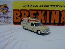 Brekina Starmada 13809 - Mercedes-Benz /8  Krankenwagen Feuerwehr Lübeck 1:87