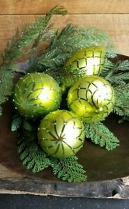 🎍 Green Embellished Glass Christmas Ornaments ~ Set of Four ~ New in Box