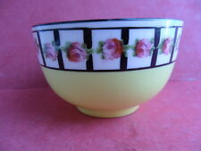 Cresecent-George Jones, Amarillo-Rose Garland, abiertos pequeñas Sugar Bowl
