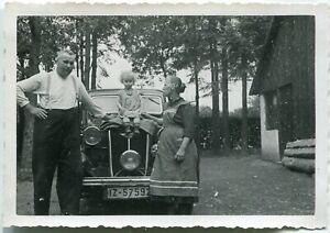 Orig. Foto HANOMAG in GARZWEILER /JÜCHEN Marlenchen/Oma/Opa 1938 Kennz. IZ-5759