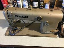 Industrielle machine à coudre simple stitch frère heavy duty