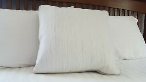 "Hudson Park Collection decorative accent pillow Modern Scroll -White- 18"" x 18"""