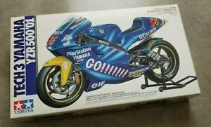 Tamiya 1/12 Tech 3 Yamaha YZR 500 '01 Plastic Motorcycle Model Kit No. 86 Rossi