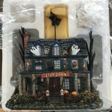 Hawthorne Village The Munsters Lily's Inn with Lily Figure Halloween Coa Light