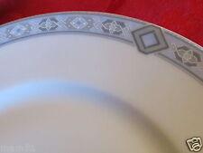 Belle assiette en porcelaine Limoges Tharaud décor géométrique