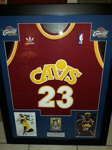 LEBRON JAMES FRAMED JERSEY  REPRINT AUTO  1/1  CLEVELAND CAVALIERS LQQK LAKERS