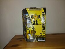 Hasbro Transformers Generations Buzzworthy Bumblebee War for Cybertron Deluxe Or