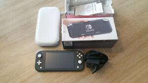 Nintendo Switch Lite Spielkonsole - Grau