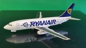 Blue Box 1:200 Boeing 737-200 Ryanair EI-CKS (with stand) Ref: B-732-RA-01