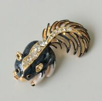 Adorable Skunk brooch  In enamel on  Gold tone metal with crystals