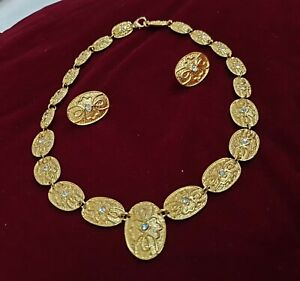 Gold Necklace With Earings For Collection RM600