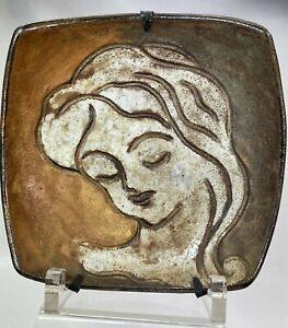 Alexandre Kostanda Assiette déco Portrait de femme céramique Vallauris années 50
