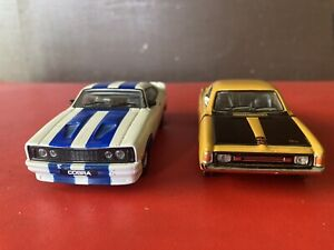 TRAX 1:43 FORD Cobra & RT4 CHARGER