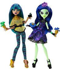 MONSTER High Urlo & ZUCCHERO Nefera de Nile e Amanita Nightshade 2 Pack Bambole