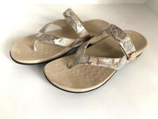 VIONIC Ladies  'REST COCOA'  Natural Snake Thong Sandals  Sz. 9 M  NIB