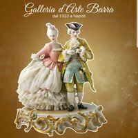 Porcelana De Capodimonte. Par Del 700A Passeggio. Vestido Encaje porcelana