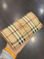 NWT LUXURY BURBERRY HARRIS CHECK BEIGE LEATHER WALLET CLUTCH