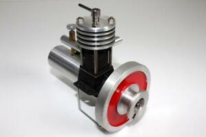 Very Rare 1950 German RGU 2.5 Universa Diesel Model Engine, New